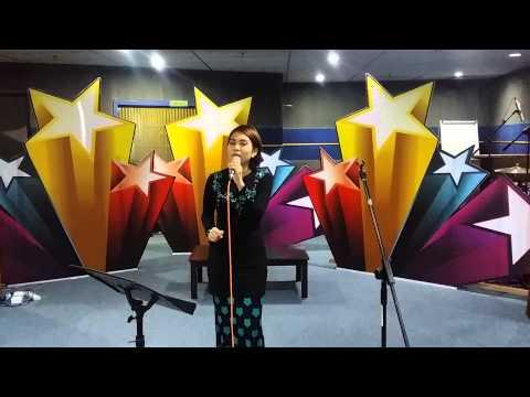 Dari Studio Muzik Edisi Khas Raya : Indah AF - Senandung Hari Raya