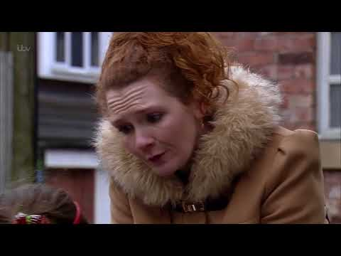 Coronation Street - Ruby and Hope Bring Tyrone and Fiz Together
