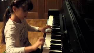 Скачать Карл Черни 18 этюд Ариша играет на пианино