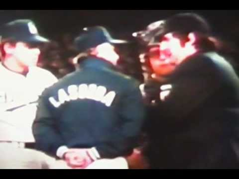 Tommy Lasorda Debates With Umpire Over Pitching Change In World Series!