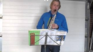 Songbird Kenny G on alto saxophone