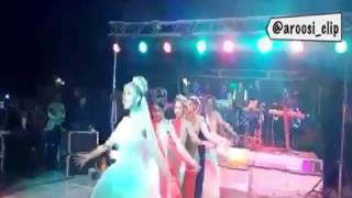 تماشايى   اینم رقص #عروس و ساقدوشا با آهنگ #یارشیرین #لیلافروهر