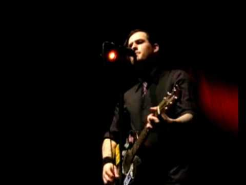 Benji wounded live (Good Charlotte)