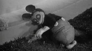 �������� ���� Creepy Fiddle playing cat and puppet from Babes in Toyland 1934 ������