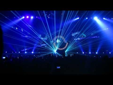 David Guetta featuring Sia- Beautiful People (Live in Bangkok)