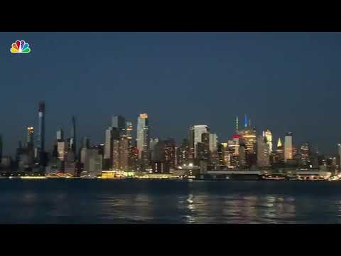 NYC Blackout: See the Manhattan Skyline During Power Outage  NBC New York