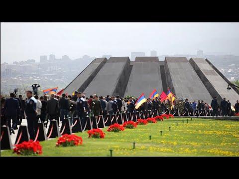 Художник Лемс Нерсисян представил картины о геноциде армян