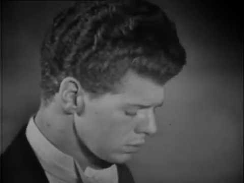Van Cliburn performs Rachmaninoff's Sonata no 2