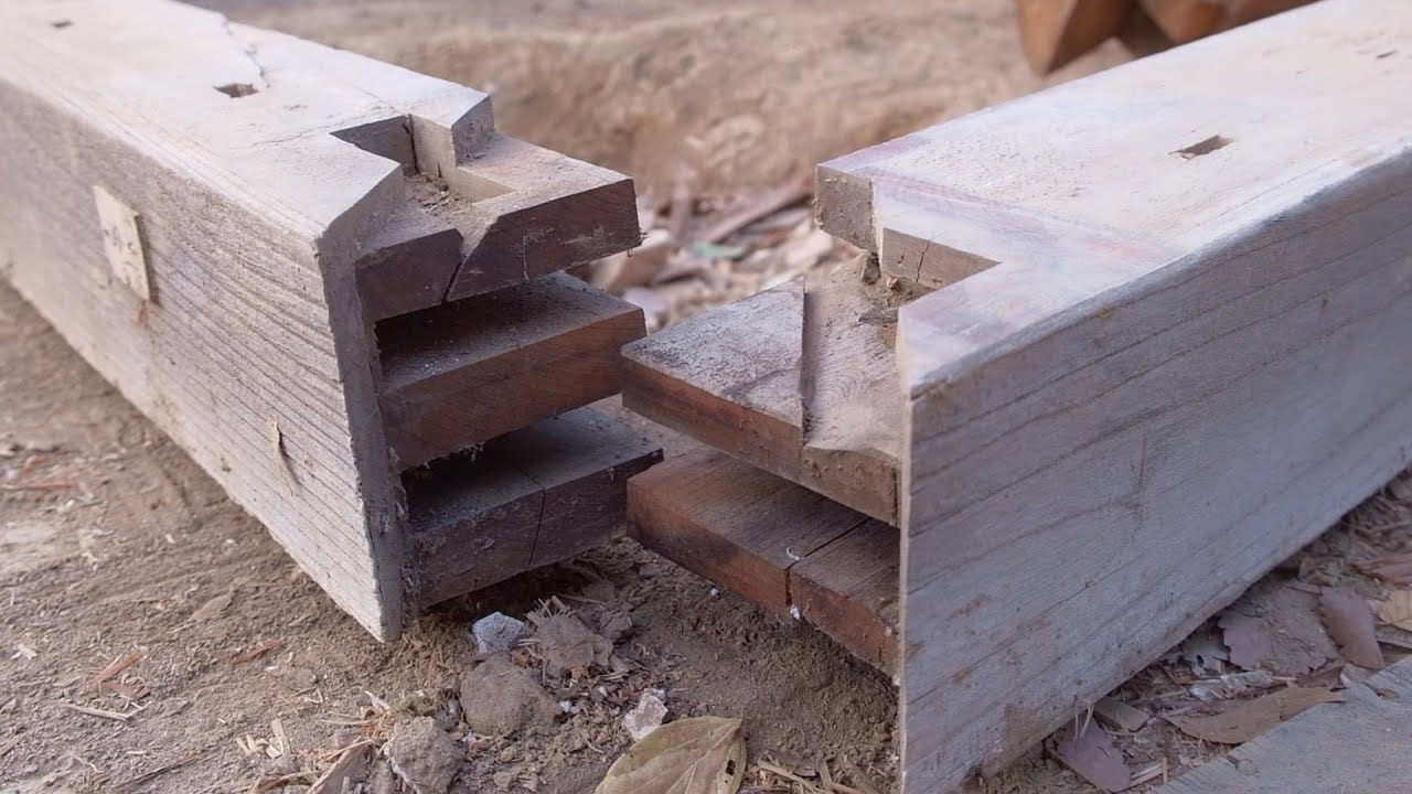 Japanese Carpenters Unearth 100-Year-Old Wood Joineries While Taking Apart a Traditional House