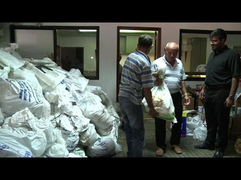 Lebanese church distributes aid for Iraqi refugees