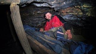 Godinama spava u jami  i sanja kontejner