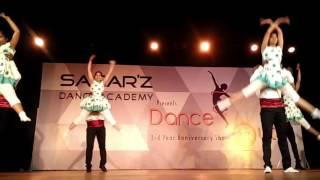 Avalukkenna Azhagiya Mugam | Server Sundaram | Sagarz Dance Academy | Dance Out 2017