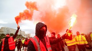Paris protesters rally against pension reforms [STREAMED LIVE]