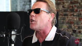 Watch Dave Wakeling How Can You Stand There video