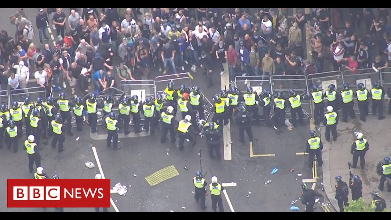 "PM condemns ""racist thuggery"" as far-right protesters clash with police - BBC News"