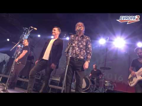 E2 XINDL X, SLZA, CHINASKI a MEKY ŽBIRKA zazpívali na jednom pódiu hit letošního léta!