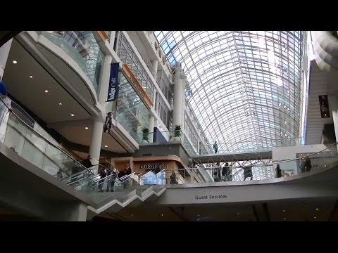 Toronto Eaton Centre & Yonge-Dundas Square