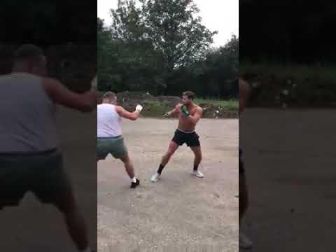 Luke Saunders Vs Johnny Traveller Boxing
