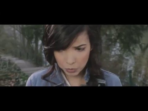 Indila - Run Run (Clip Officiel)
