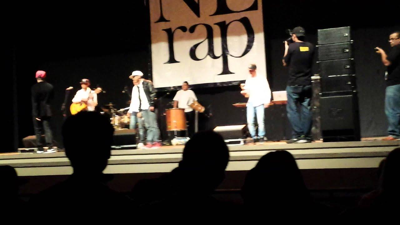Grupo Simples Desejo no Teatro de Nova Lima
