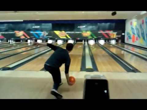 Bowling video images 74