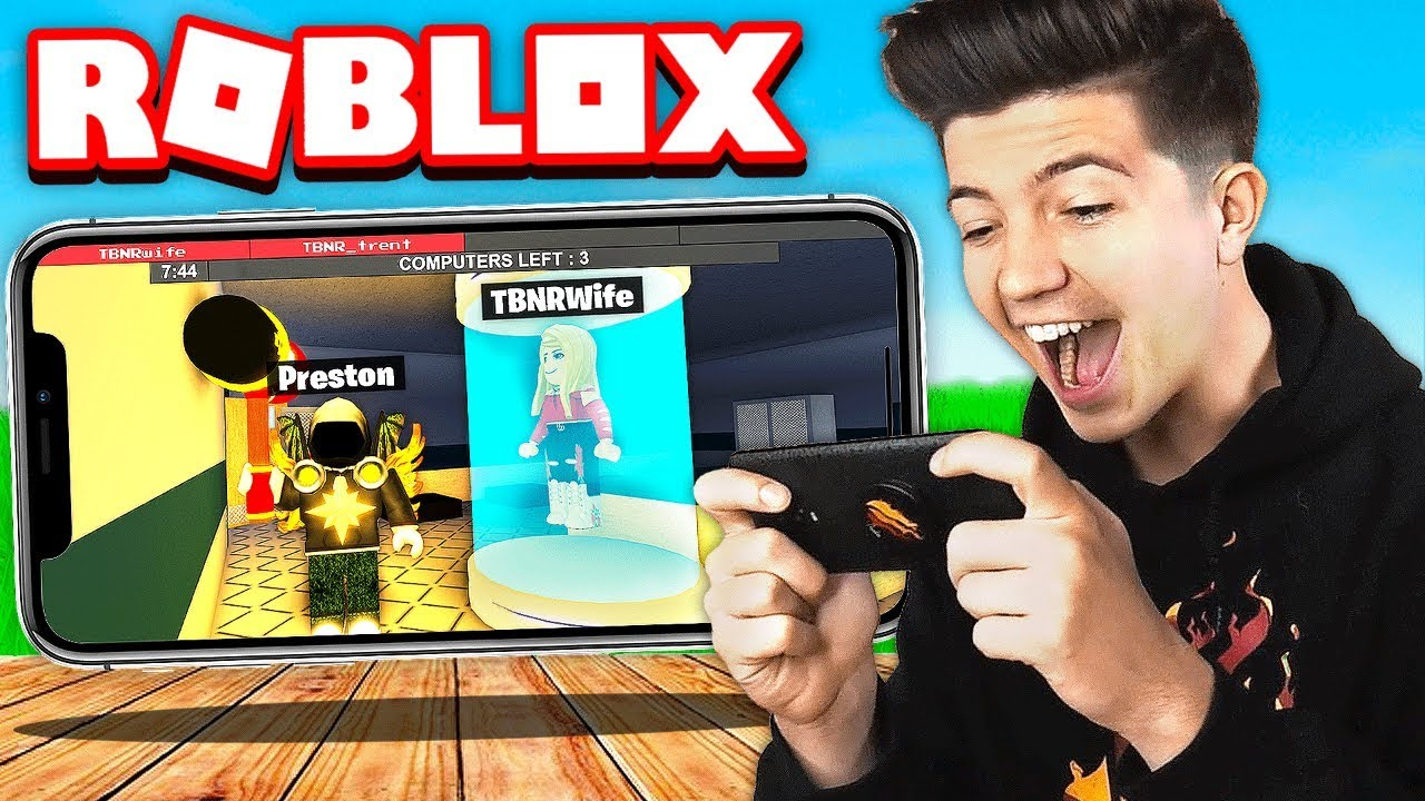I Won As The Beast On Roblox Mobile With Briannaplayz Leah Ashe