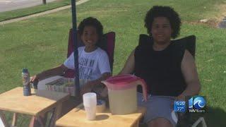 Two Virginia Beach teens turn lemons into lemonade