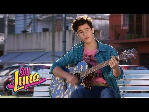 Simón canta Valiente | Momento Musical (con letra) | Soy Luna