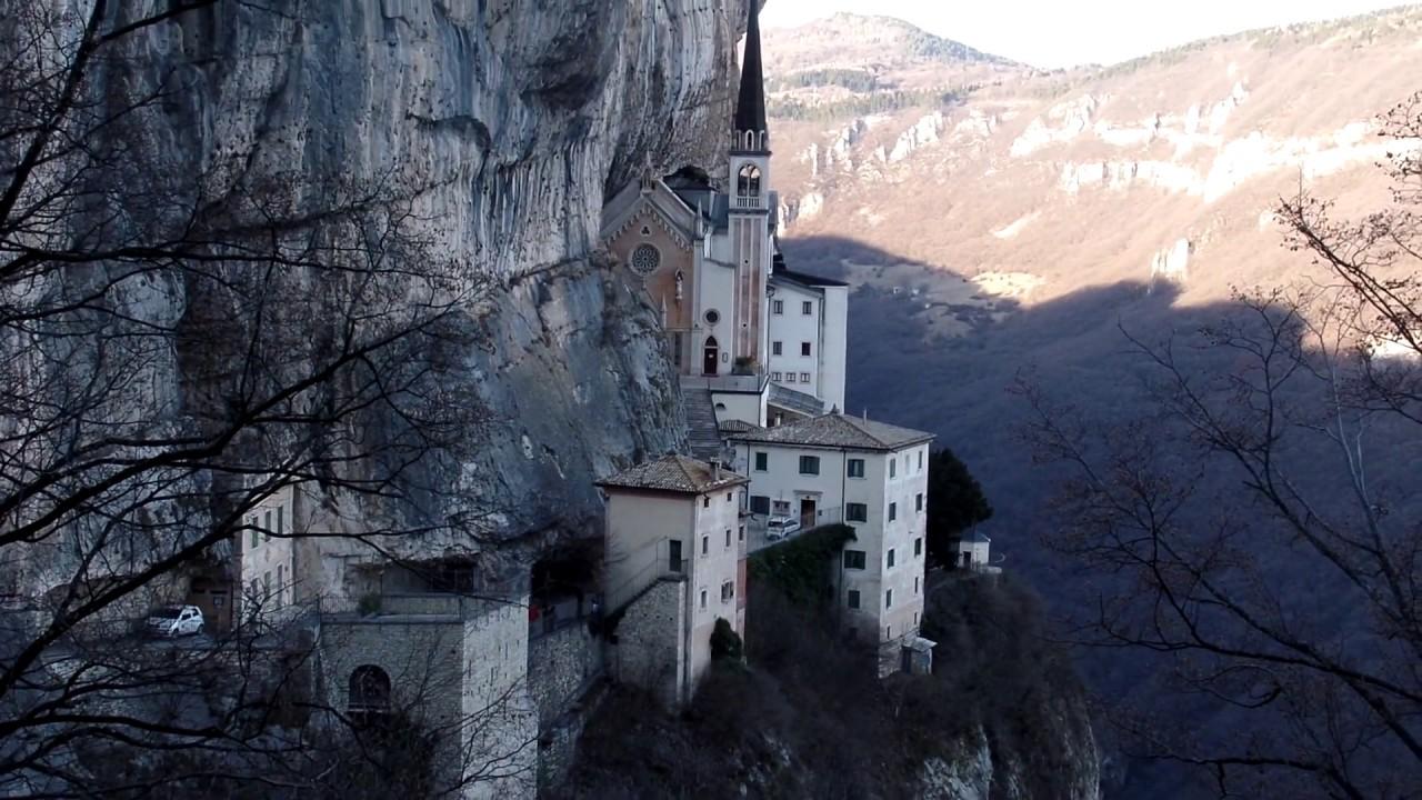 Santuario madonna della corona spiazzi di monte baldo for Santuario madonna della corona