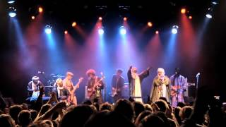 "Tinariwen & Red Hot Chili Peppers - ""Cler Achel"""