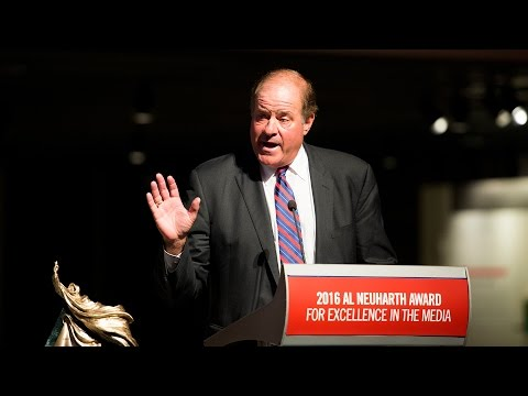 ESPN Broadcaster Chris Berman Accepts the 2016 Al Neuharth Award for Excellence in the Media