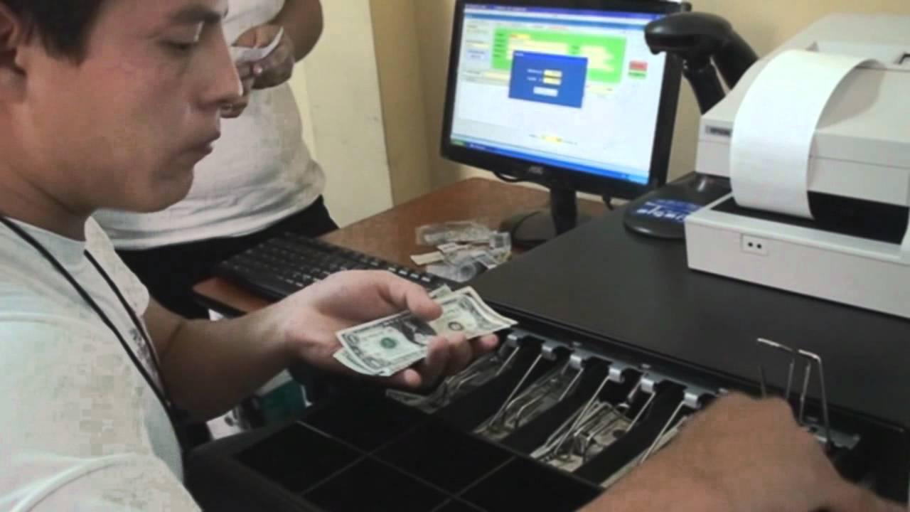 Qu se aprende en la escuela de cajeros youtube for Cajeros en matalascanas