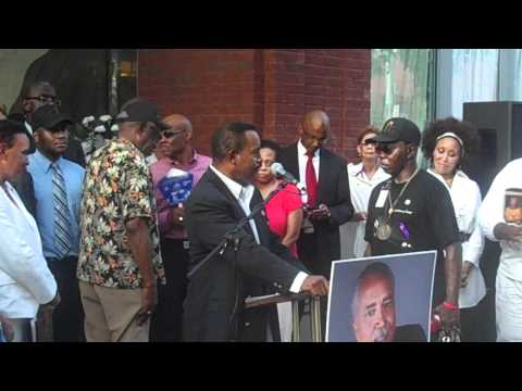 Ralph David Abernathy, III speaks at Rev. Howard Creecy SCLC Candlelight Vigil