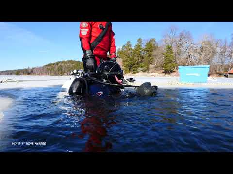 Wreck diving under the ice