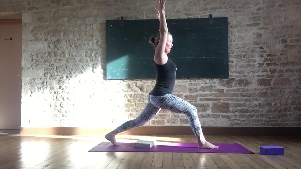20 minute Vinyasa Yoga Morning Practice - YouTube