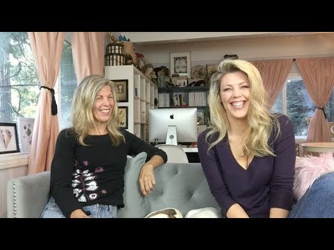 Chatting with Mom : Mother Daughter Relationships
