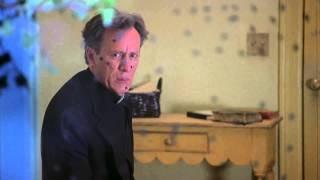 Scary Movie 2 | James Woods relâche le Démon - 2001