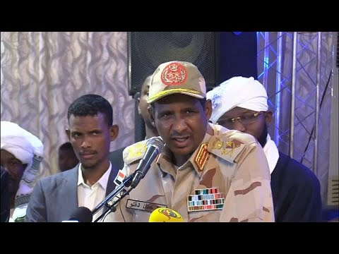 نائب رئيس المجلس العسكري سوداني يقول إن هدفه إجراء انتخابات ديمقراطية…  - نشر قبل 5 ساعة