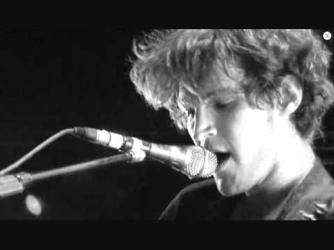 Martyn LeNoble - Closer (feat. Josh Klinghoffer)