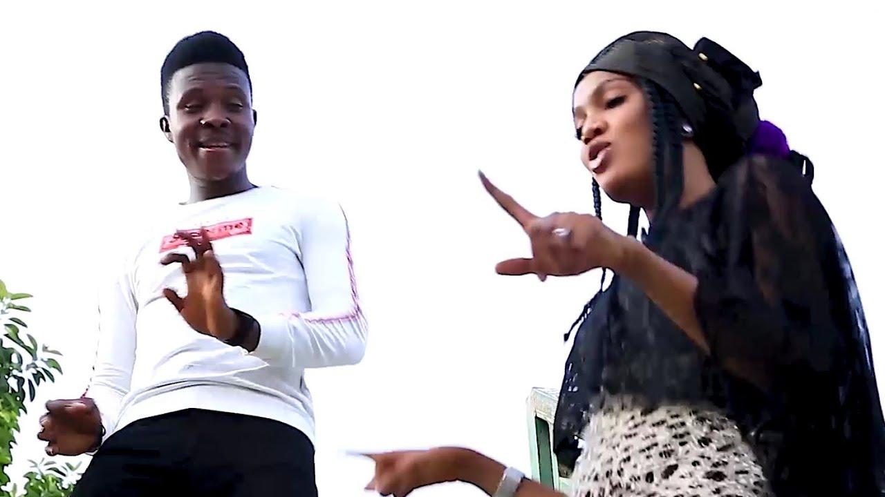 Download Nabaki Kaina - Abdul M. Shareef and Peenat Niger Hausa Song Latest Video 2019