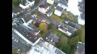 Flug über der Plettenberger Fußgängerzone mit RC Flugzeug