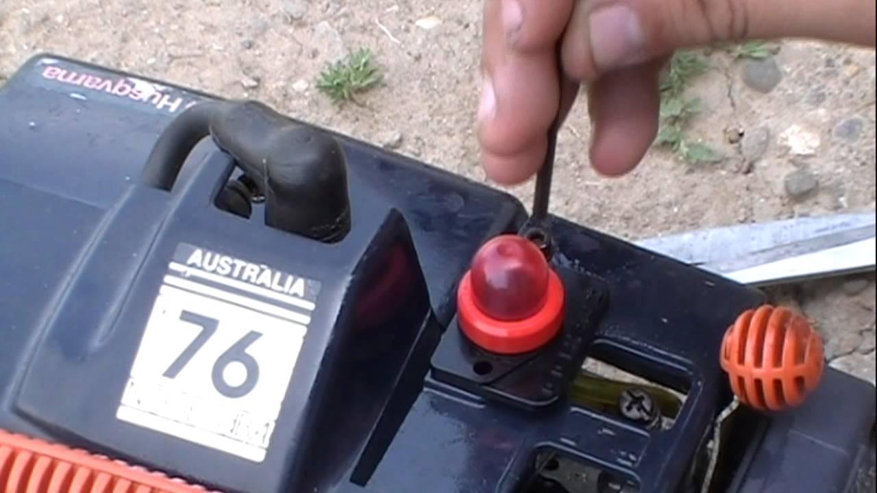 How To Change Husqvarna Primer Bulb Youtube Carburetor Zama C1uh13 Diagram And Parts List For Homelite Leaf