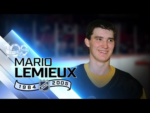 Mario Lemieux scored 100 points 10 different times