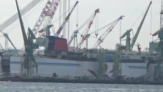 H28.10.23 艤装中の商船三井フェリー「さんふらわあふらの」向きが変更!
