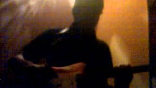 Antisocial intro rif. guitare électrique