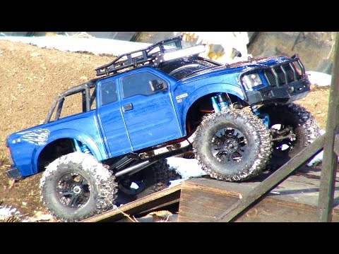 RC ADVENTURES - BACKYARD TRAiL Course - Komodo TRUCK - Mickey Thompson Tires