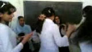 احلى رقص بنات - مدرسة العلم والنور ههههه