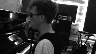 Erik Hassle - No Words (Acoustic Version)
