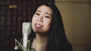 Clarisa Dewi - Tuhan Selalu Menolongku |Official Music Video| - Lagu Rohani