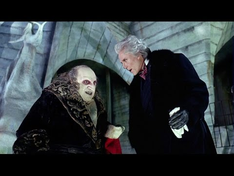 Cobblepot kidnaps Max Shreck | Batman Returns